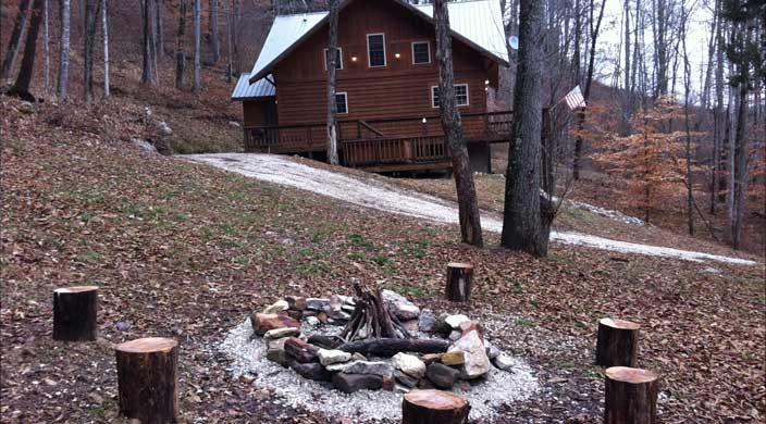14-49-fire-pit-and-side-view-of-cabin