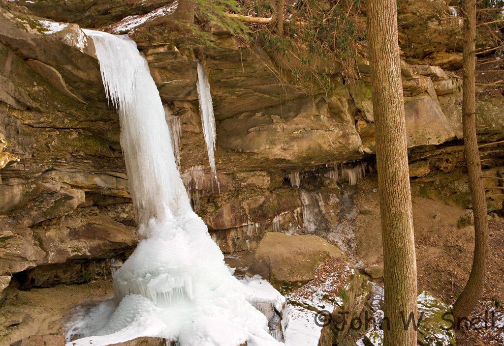 Bell Falls Frozen_x1024-1